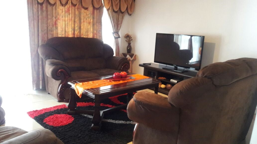 Hillview property for sale. Ref No: 13411939. Picture no 7