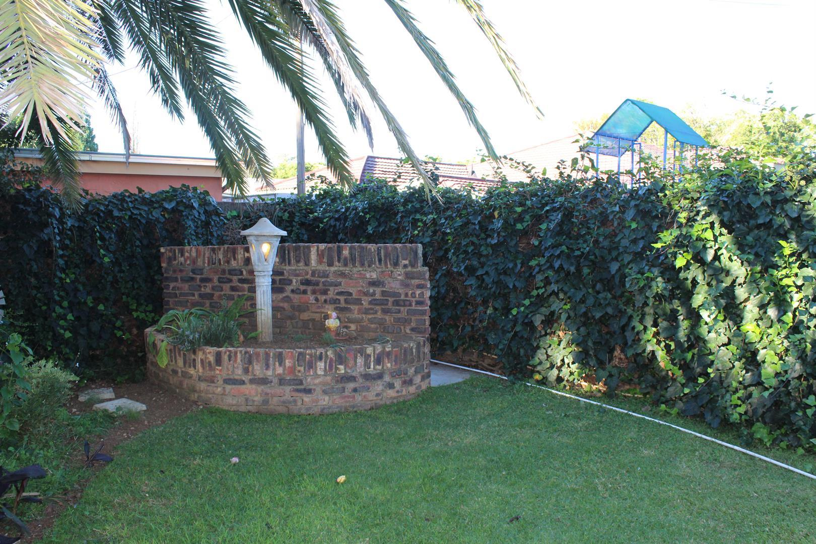 Suid Dorp property for sale. Ref No: 13460528. Picture no 13