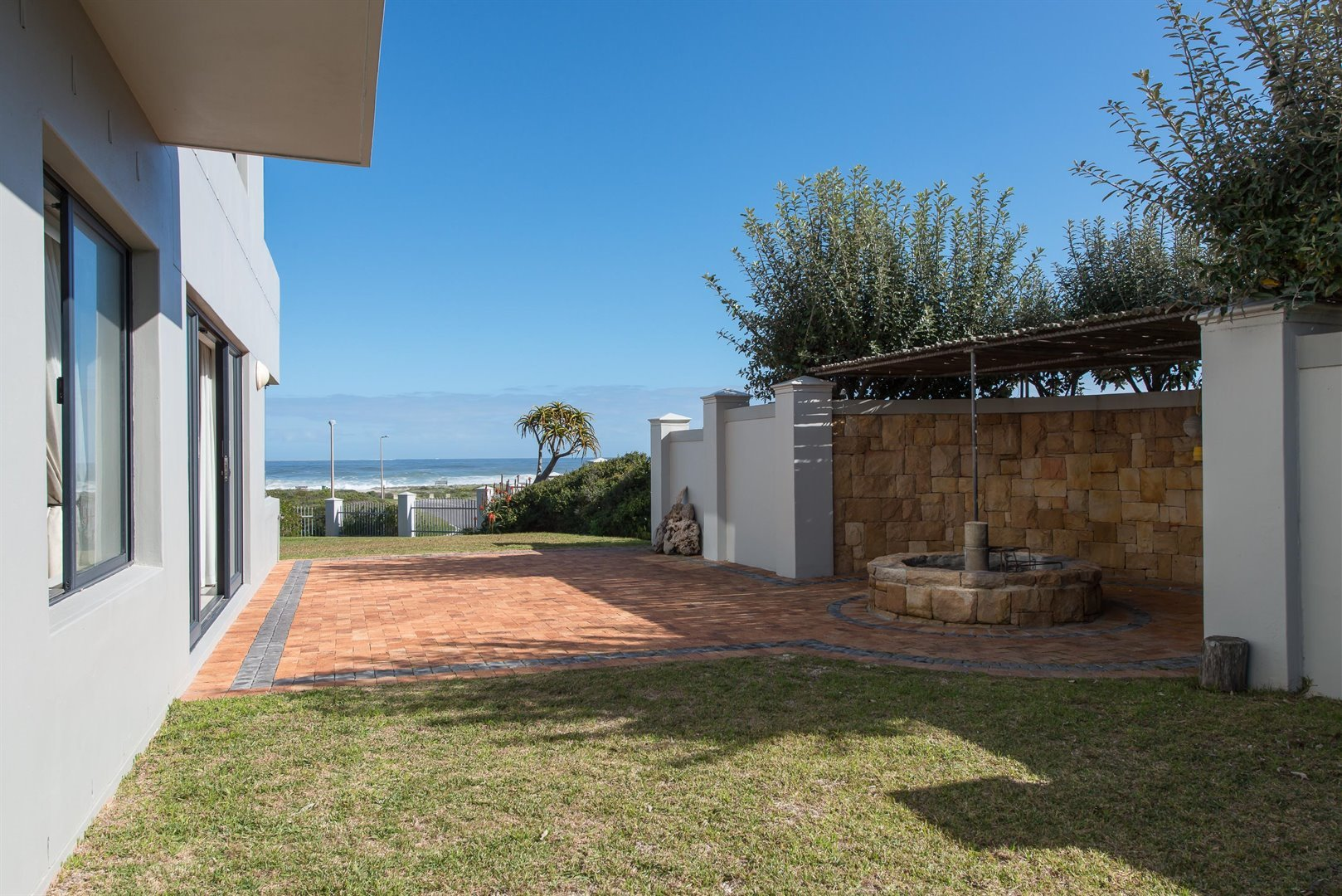 Yzerfontein property for sale. Ref No: 13373287. Picture no 26
