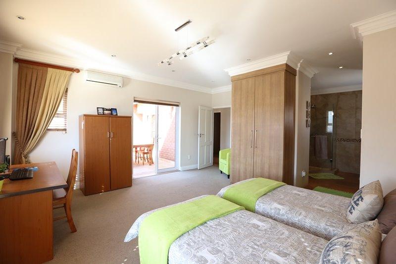 Midstream Estate property for sale. Ref No: 13254174. Picture no 19