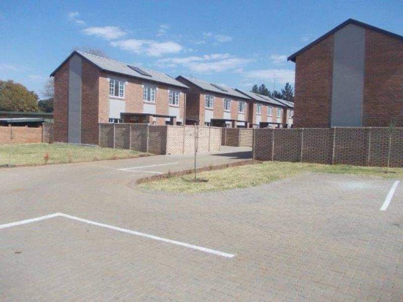 Property and Houses to rent in Raslouw, House, 2 Bedrooms - ZAR ,  6,50*,M