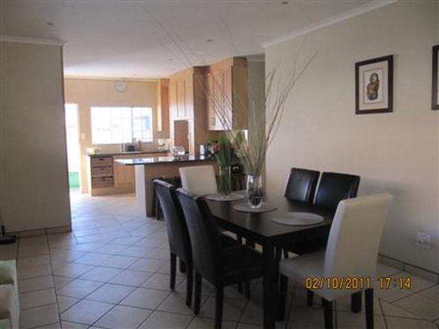 Three Rivers property for sale. Ref No: 13265987. Picture no 10