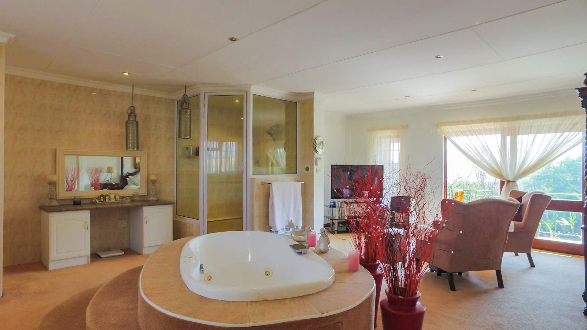 Irene Glen Estate property for sale. Ref No: 13471902. Picture no 12