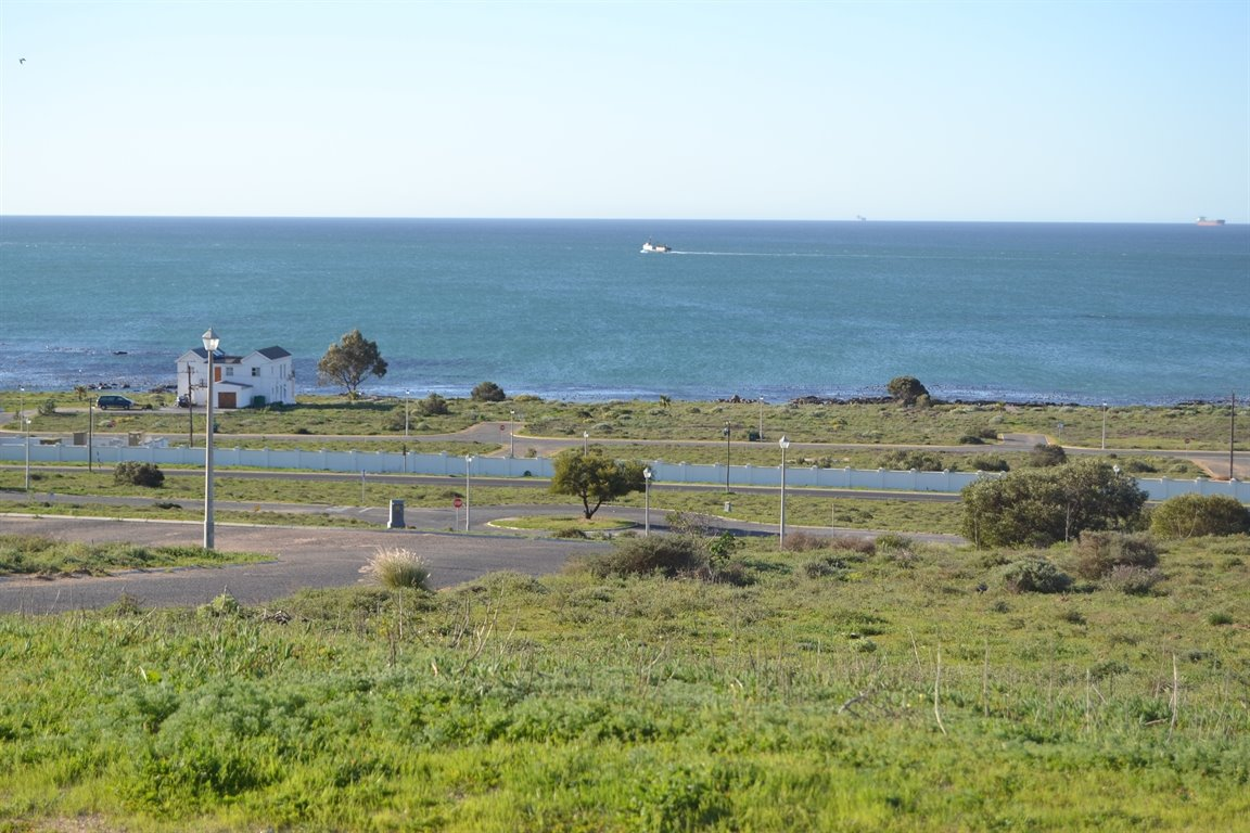 Da Gama Bay property for sale. Ref No: 12787931. Picture no 2