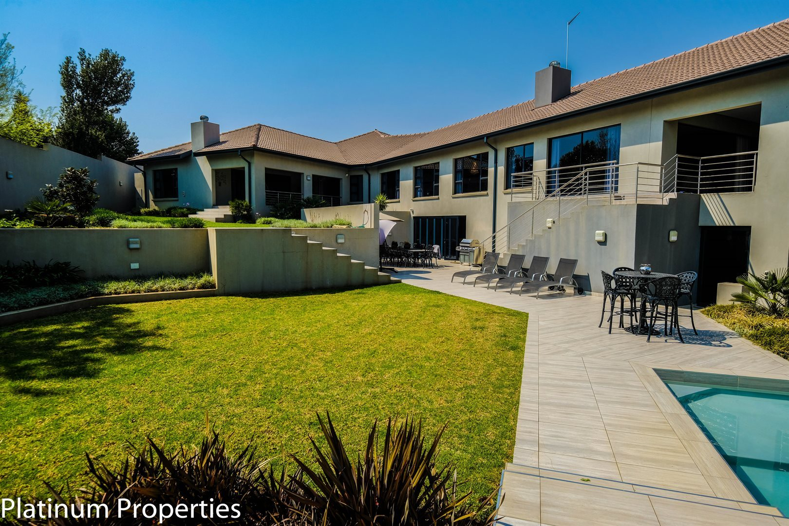 Three Rivers East property for sale. Ref No: 13622206. Picture no 3
