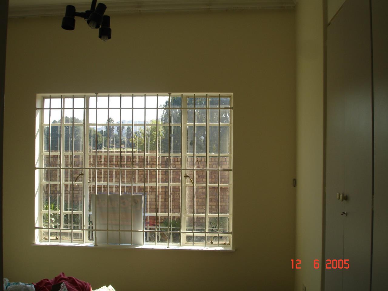 Glenvista property for sale. Ref No: 13525347. Picture no 14