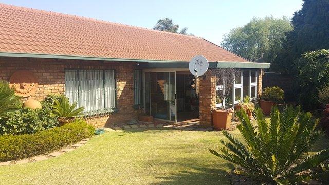 Pretoria, Elarduspark Property  | Houses For Sale Elarduspark, Elarduspark, Townhouse 3 bedrooms property for sale Price:1,200,000
