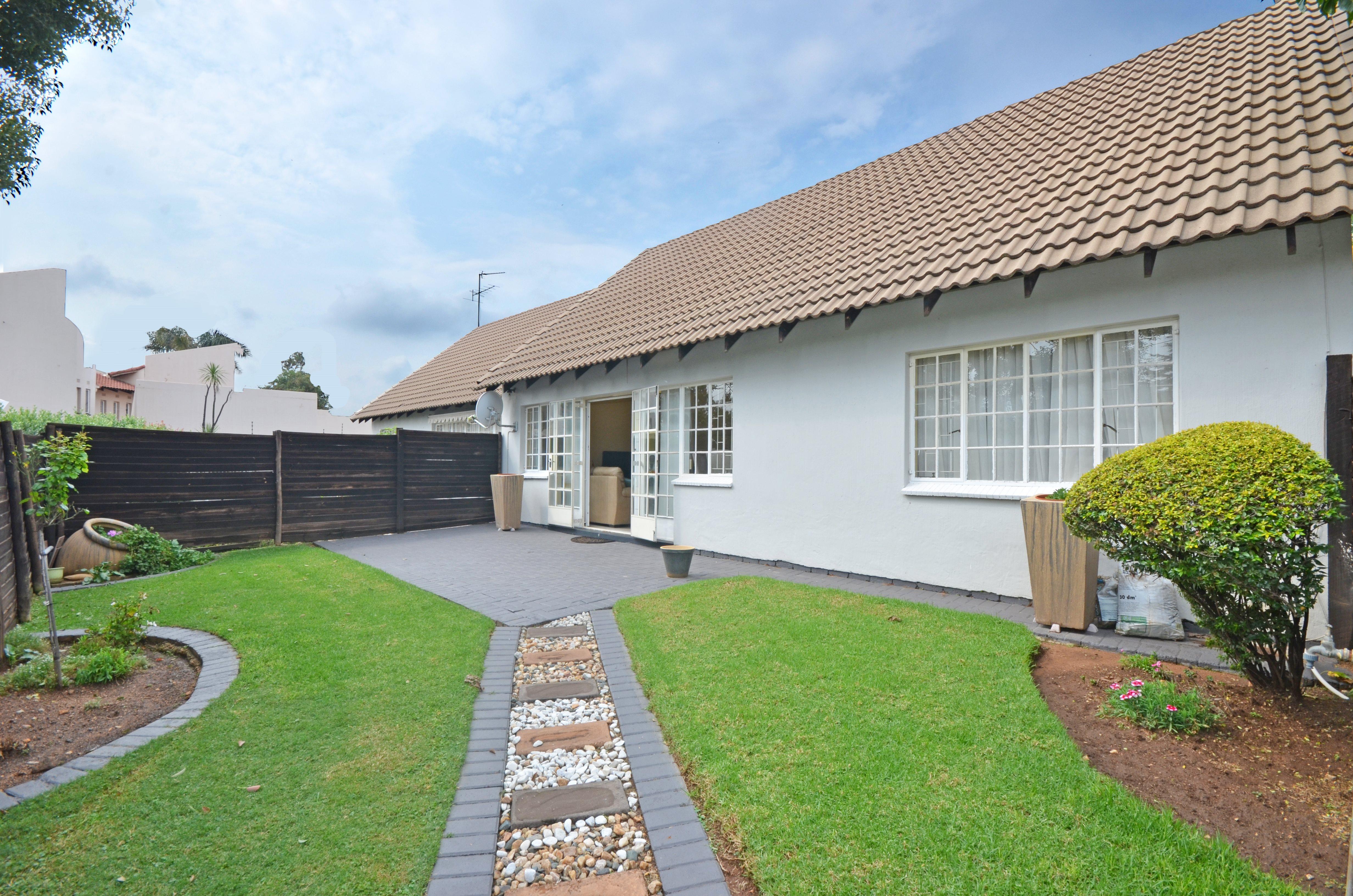 Johannesburg, Corlett Gardens Property  | Houses For Sale Corlett Gardens, Corlett Gardens, Apartment 2 bedrooms property for sale Price:890,000