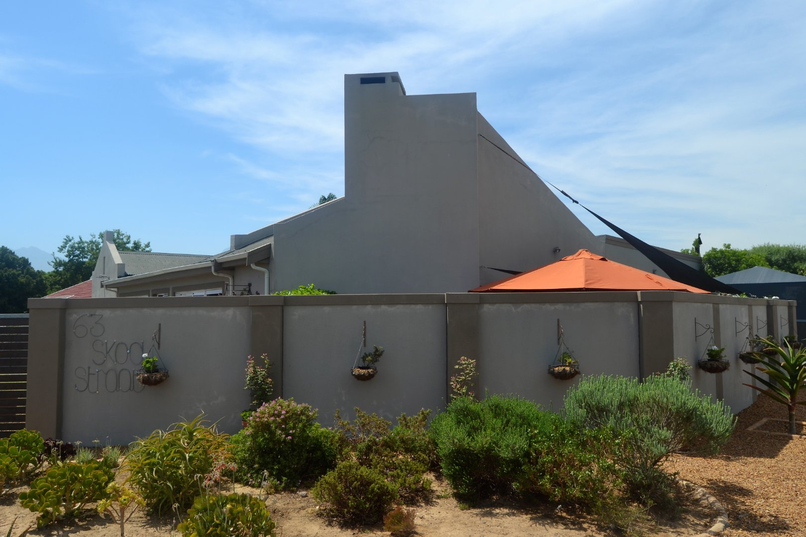 Property and Houses for sale in Paarl North, House, 4 Bedrooms - ZAR 2,990,000