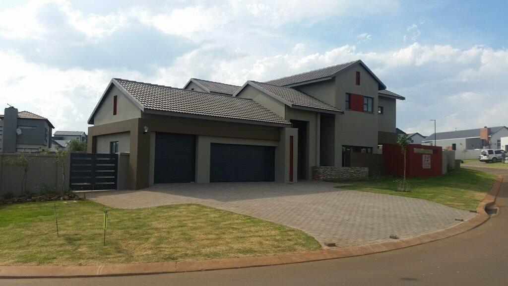 Midstream Ridge Estate property for sale. Ref No: 13379169. Picture no 18