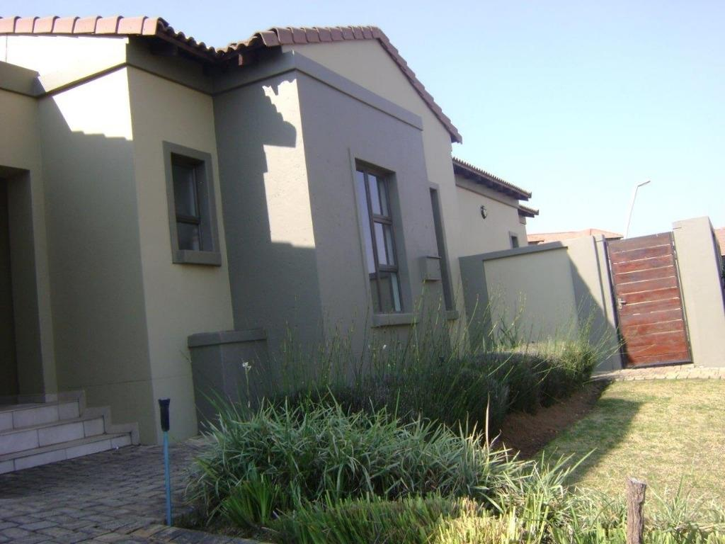 Property and Houses to rent in Midlands Estate, House, 3 Bedrooms - ZAR , 24,00*,M