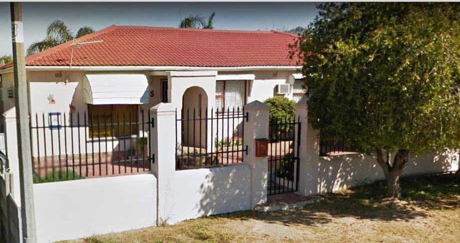 Property and Houses for sale in Paarl North, House, 6 Bedrooms - ZAR 2,600,000