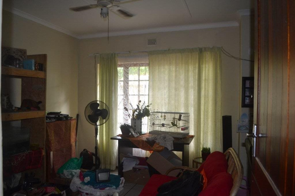 Margate property for sale. Ref No: 13400091. Picture no 11