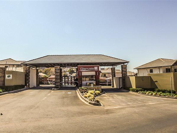 Johannesburg, Glenanda Property    Houses For Sale Glenanda, Glenanda, Townhouse 2 bedrooms property for sale Price:975,000