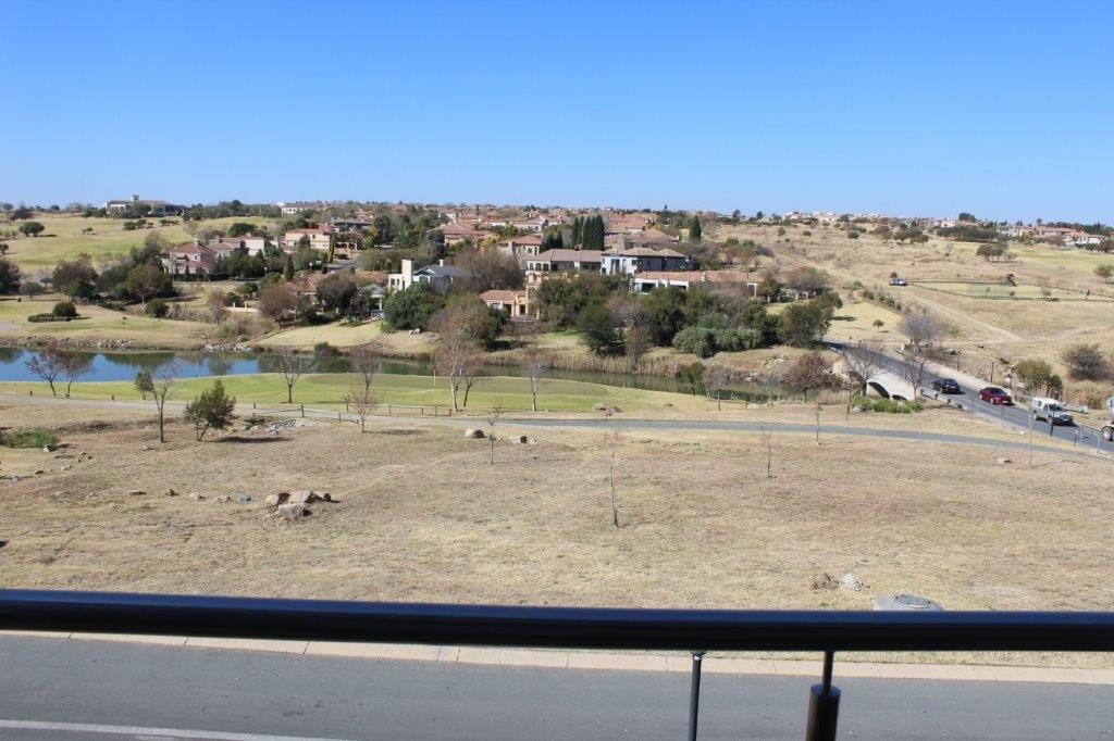 Blue Valley Golf Estate property for sale. Ref No: 13371077. Picture no 31