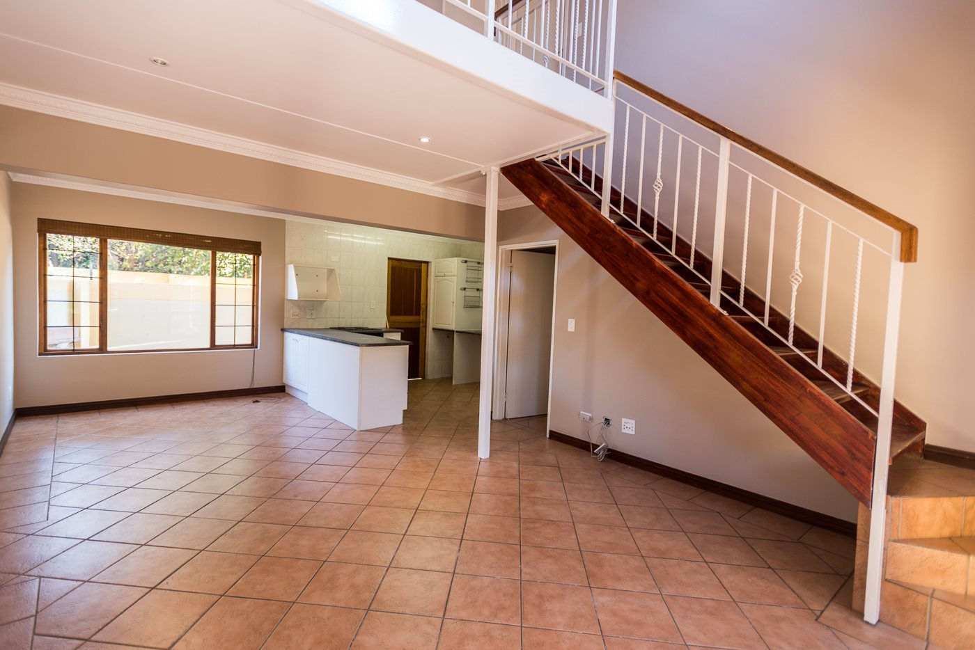 Lonehill property for sale. Ref No: 13492156. Picture no 4