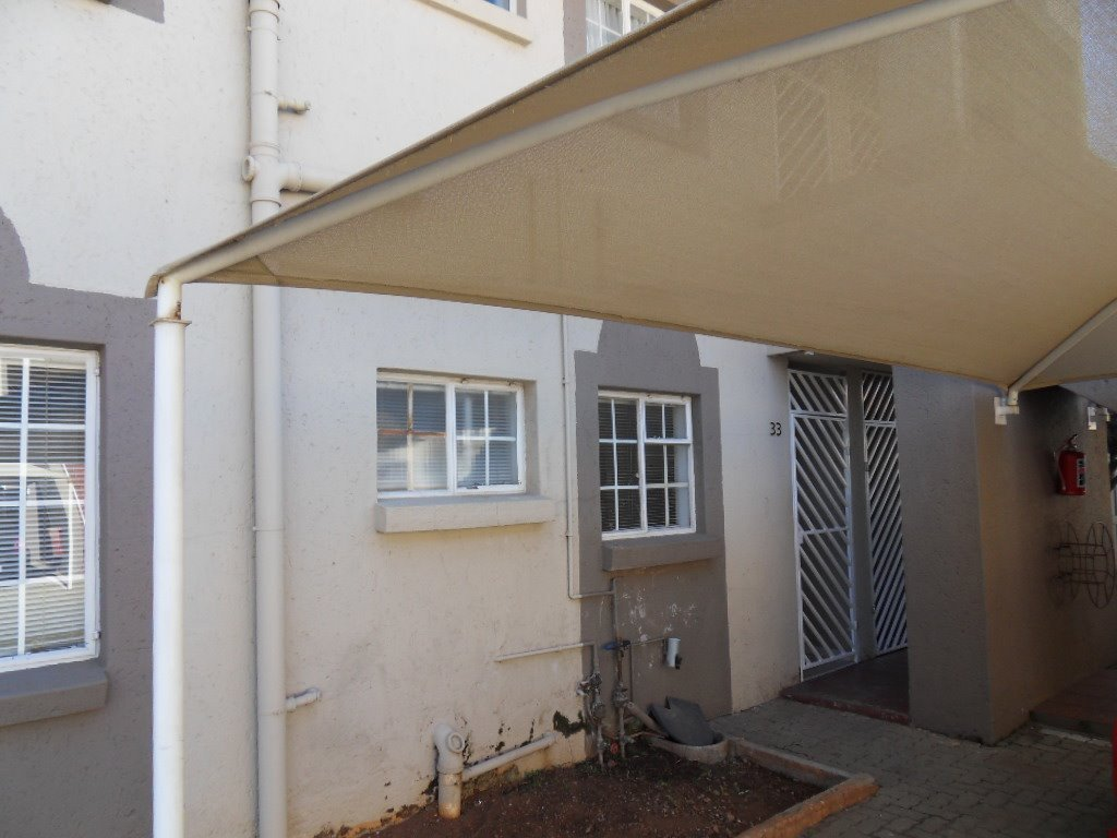 Johannesburg, Rewlatch Property  | Houses For Sale Rewlatch, Rewlatch, Townhouse 2 bedrooms property for sale Price:567,000