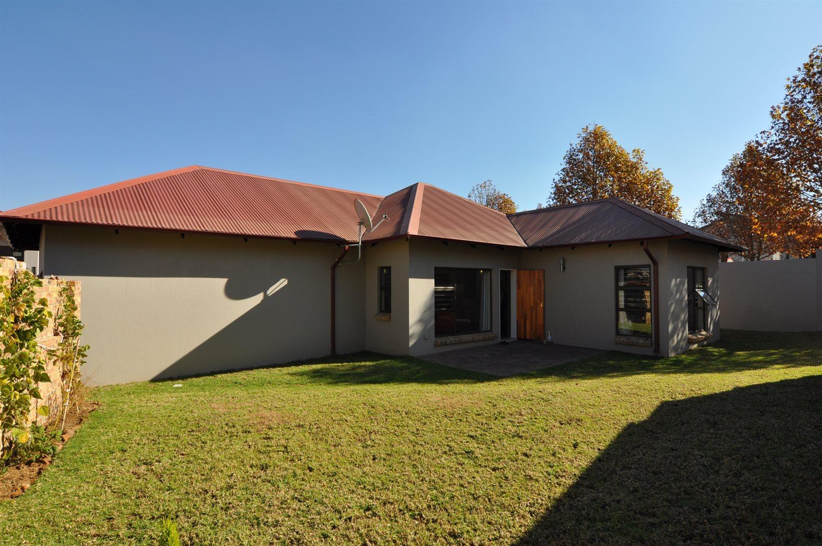 Sandton, Cedar Creek Property    Houses To Rent Cedar Creek, Cedar Creek, House 3 bedrooms property to rent Price:, 13,00*