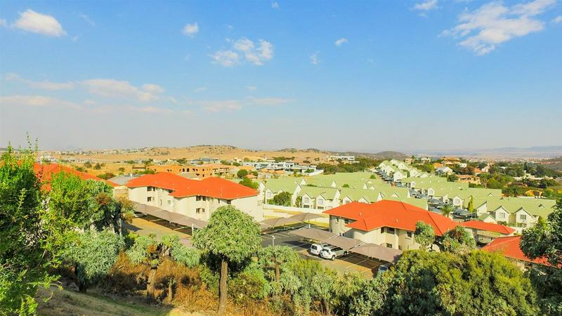 Johannesburg, Bassonia Rock Property    Houses For Sale Bassonia Rock, Bassonia Rock, Townhouse 3 bedrooms property for sale Price:1,175,000