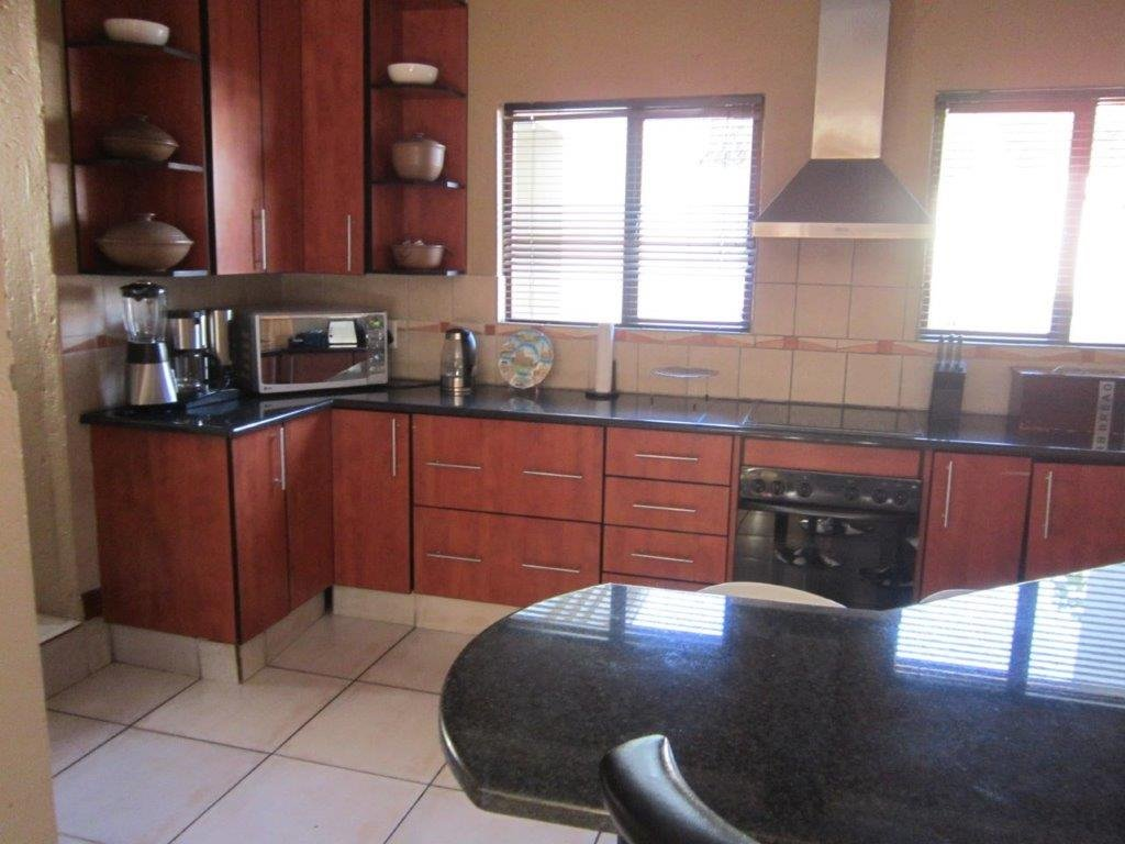 Blue Valley Golf Estate property for sale. Ref No: 13345353. Picture no 3