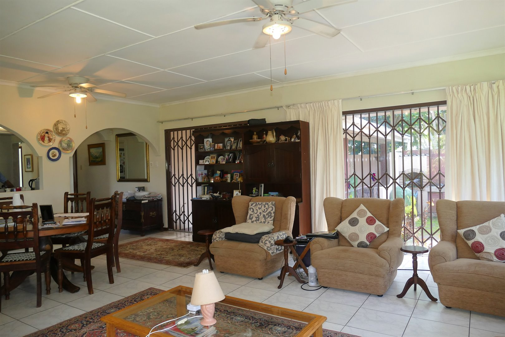 Scottburgh South property for sale. Ref No: 13476955. Picture no 4
