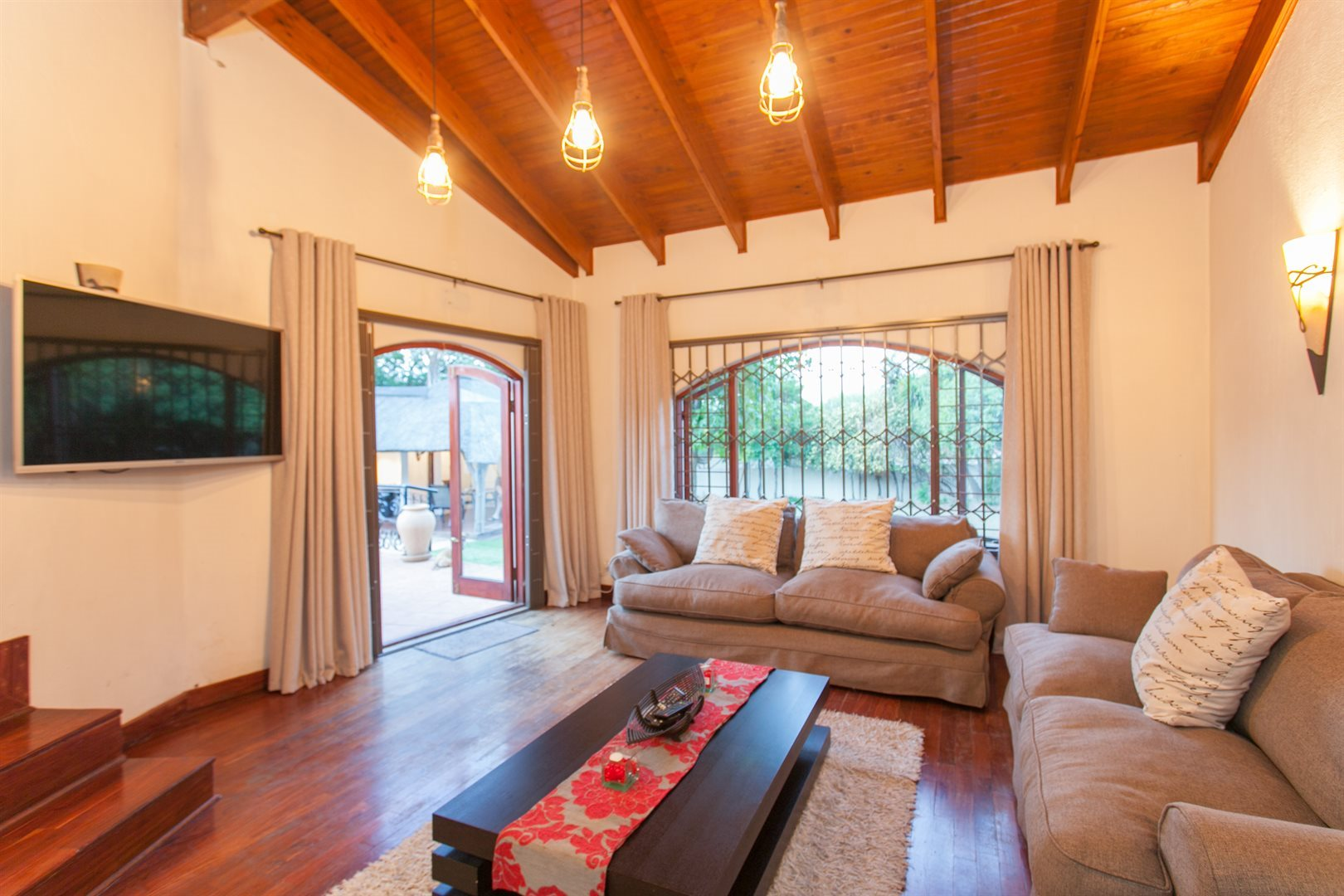 Fourways property for sale. Ref No: 13551719. Picture no 6