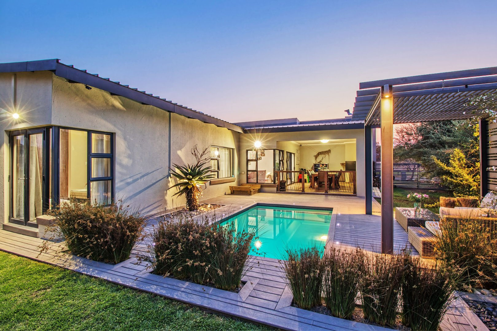 Property and Houses for sale in Hazeldean, House, 3 Bedrooms - ZAR 2,950,000