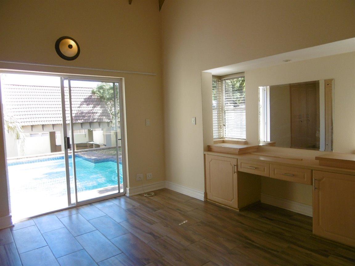 Bryanston property for sale. Ref No: 13531296. Picture no 19