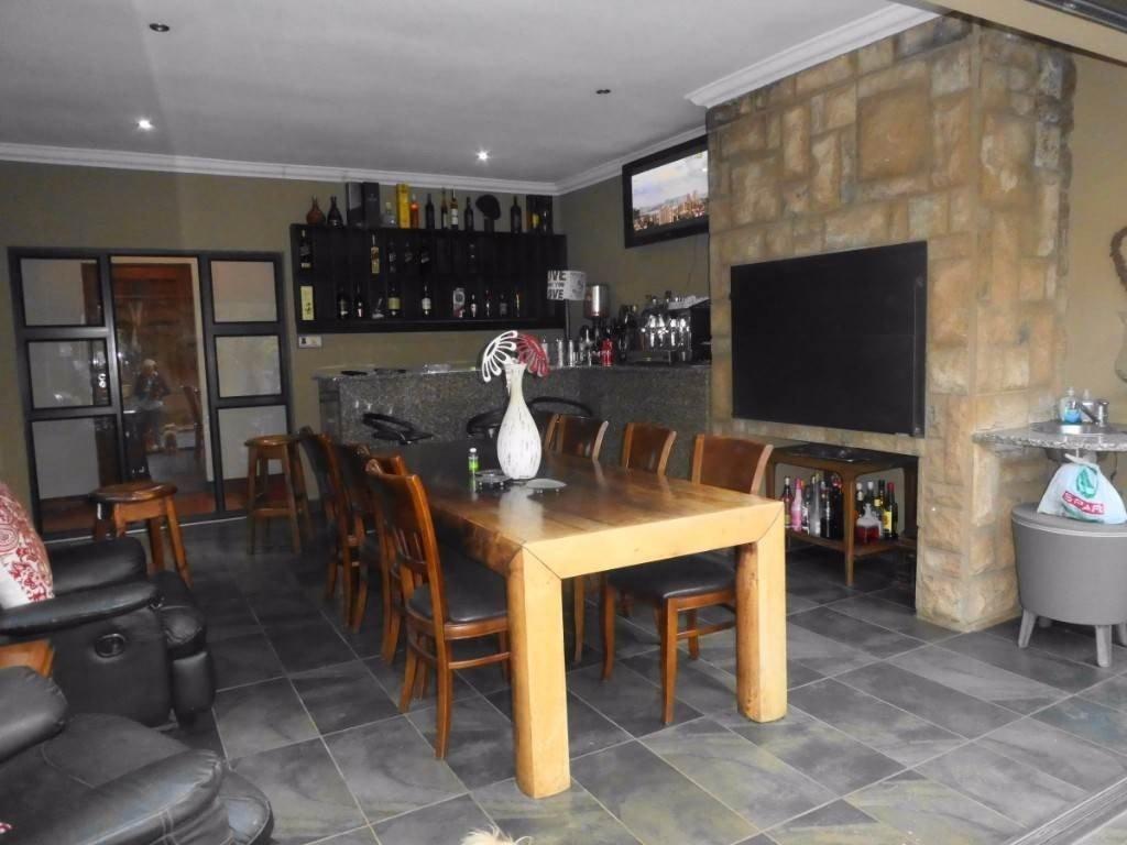 Midstream Estate property for sale. Ref No: 13506205. Picture no 3