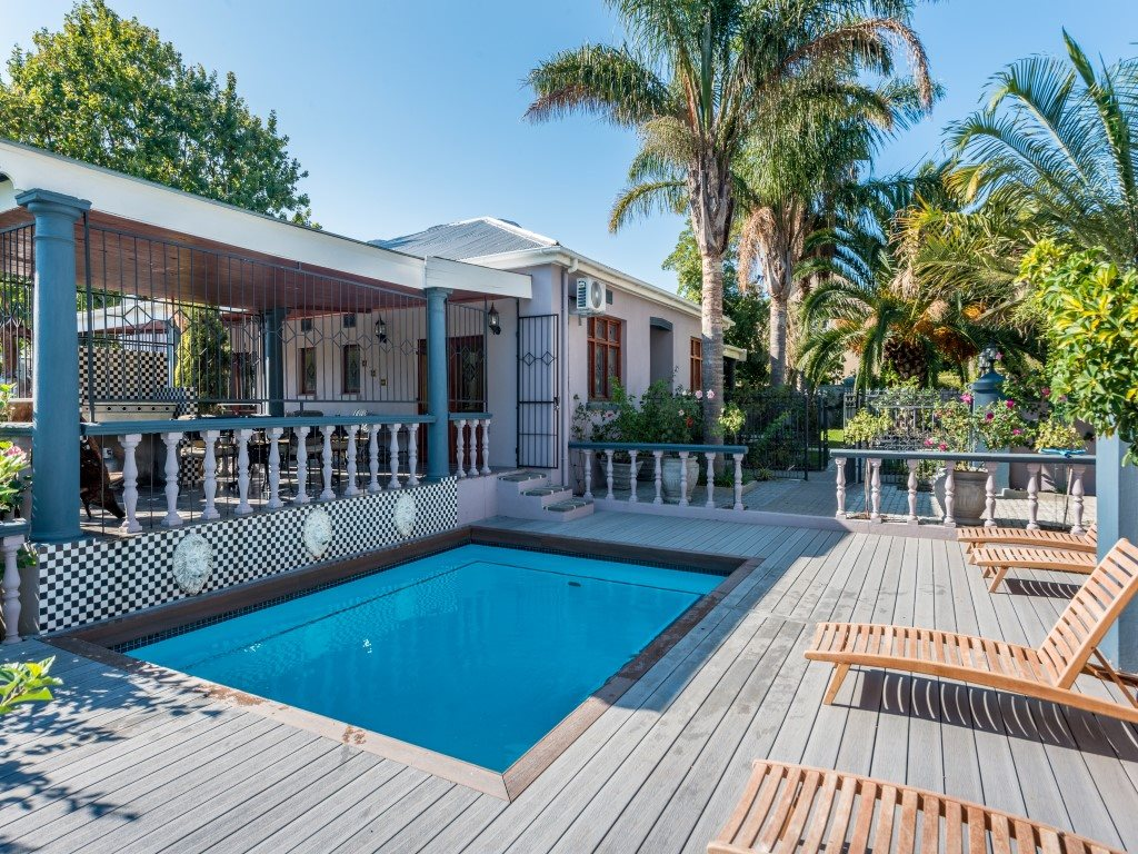 Franschhoek property for sale. Ref No: 13327931. Picture no 19