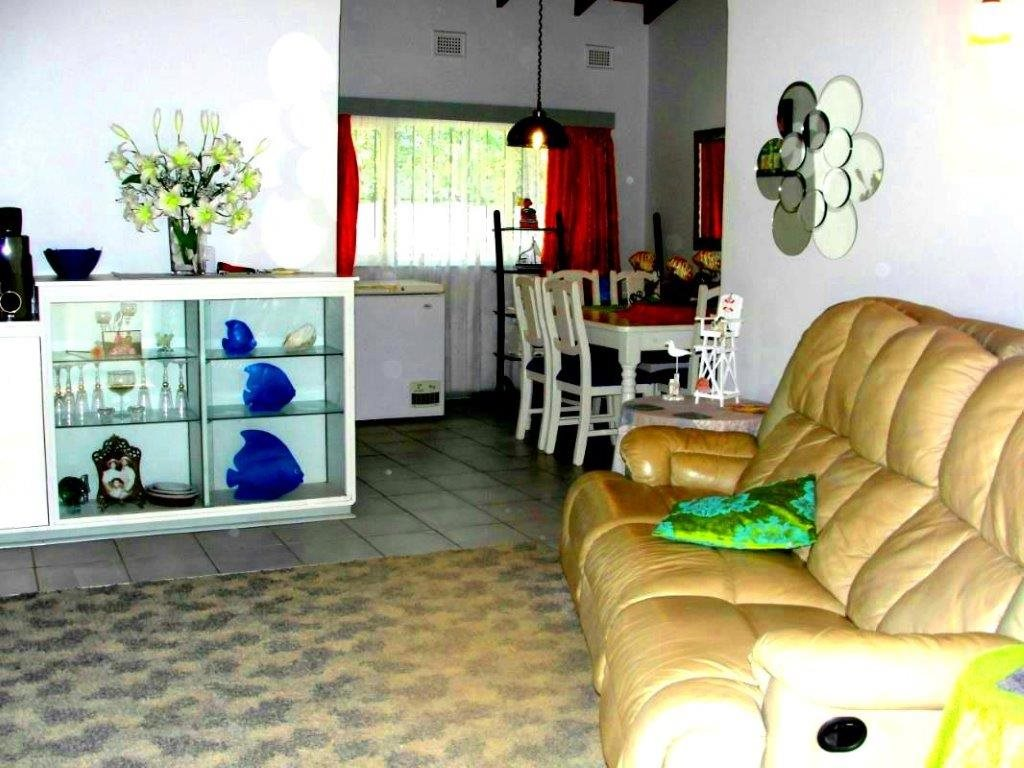Uvongo property for sale. Ref No: 12796684. Picture no 7