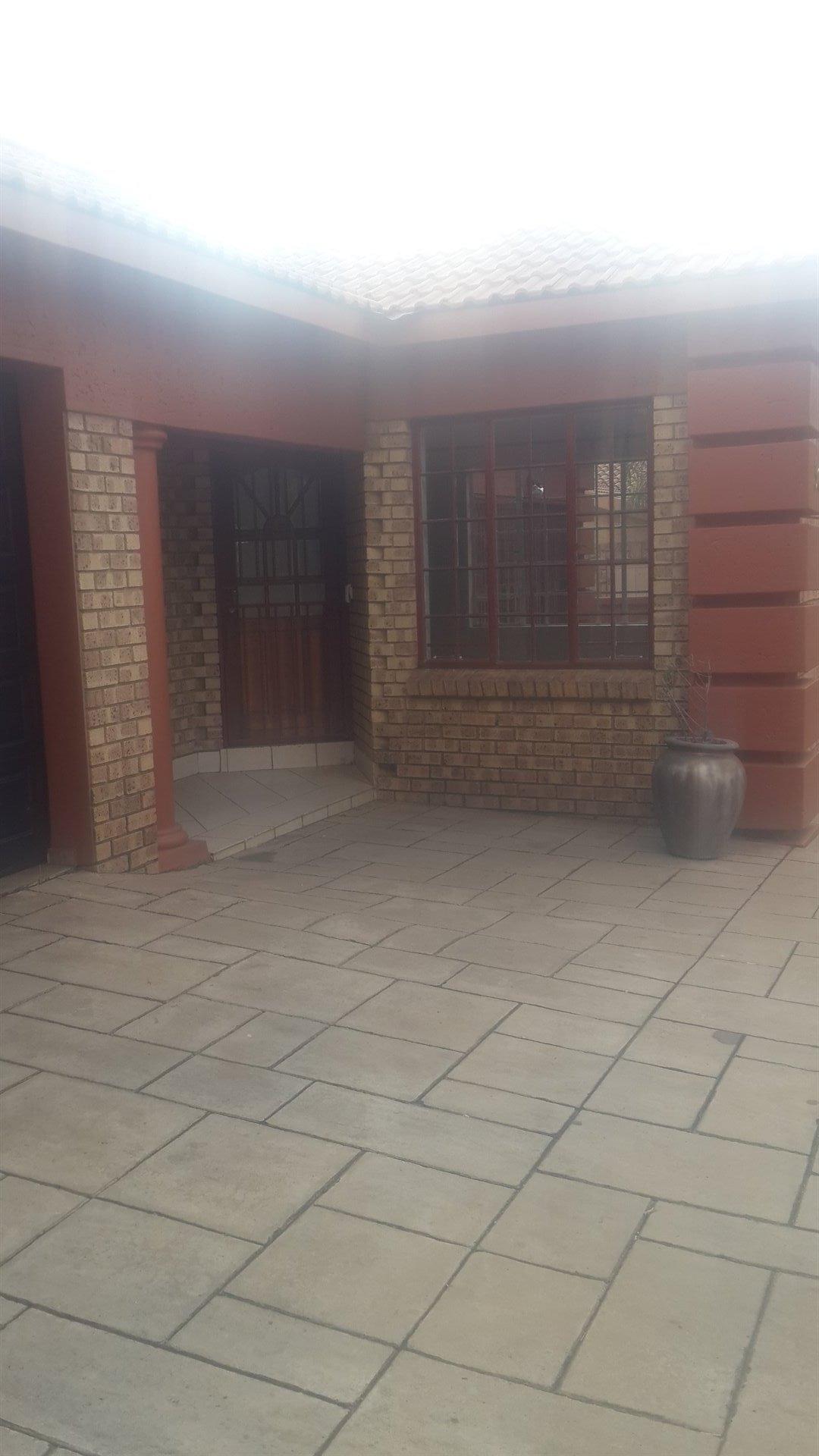 Centurion, Eldo Manor Property  | Houses For Sale Eldo Manor, Eldo Manor, House 3 bedrooms property for sale Price:1,890,000