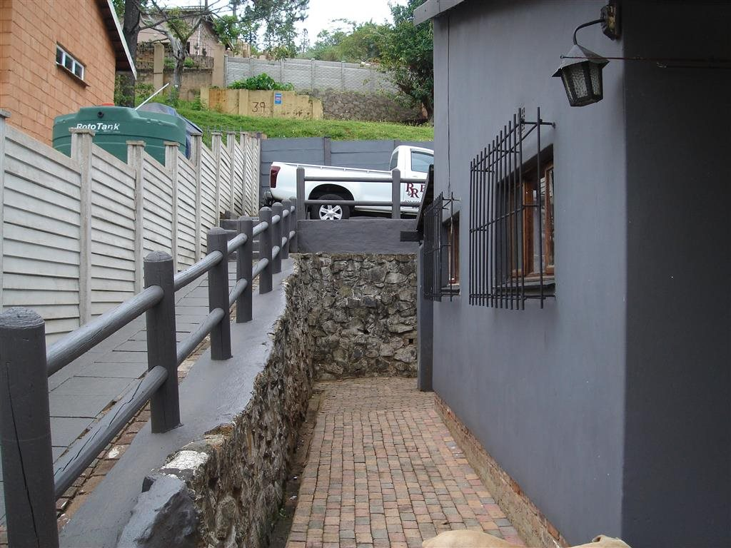 Uvongo property for sale. Ref No: 12774176. Picture no 17