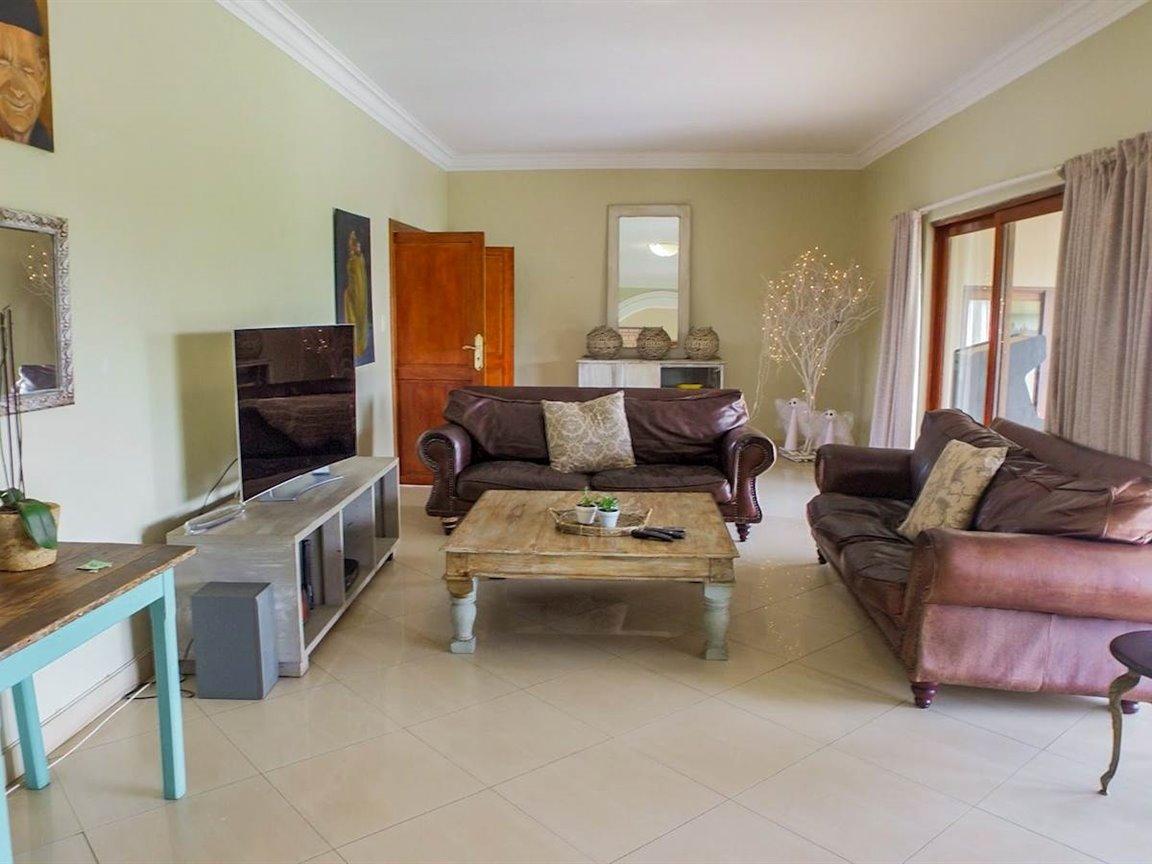 Irene Glen Estate property for sale. Ref No: 13411372. Picture no 4