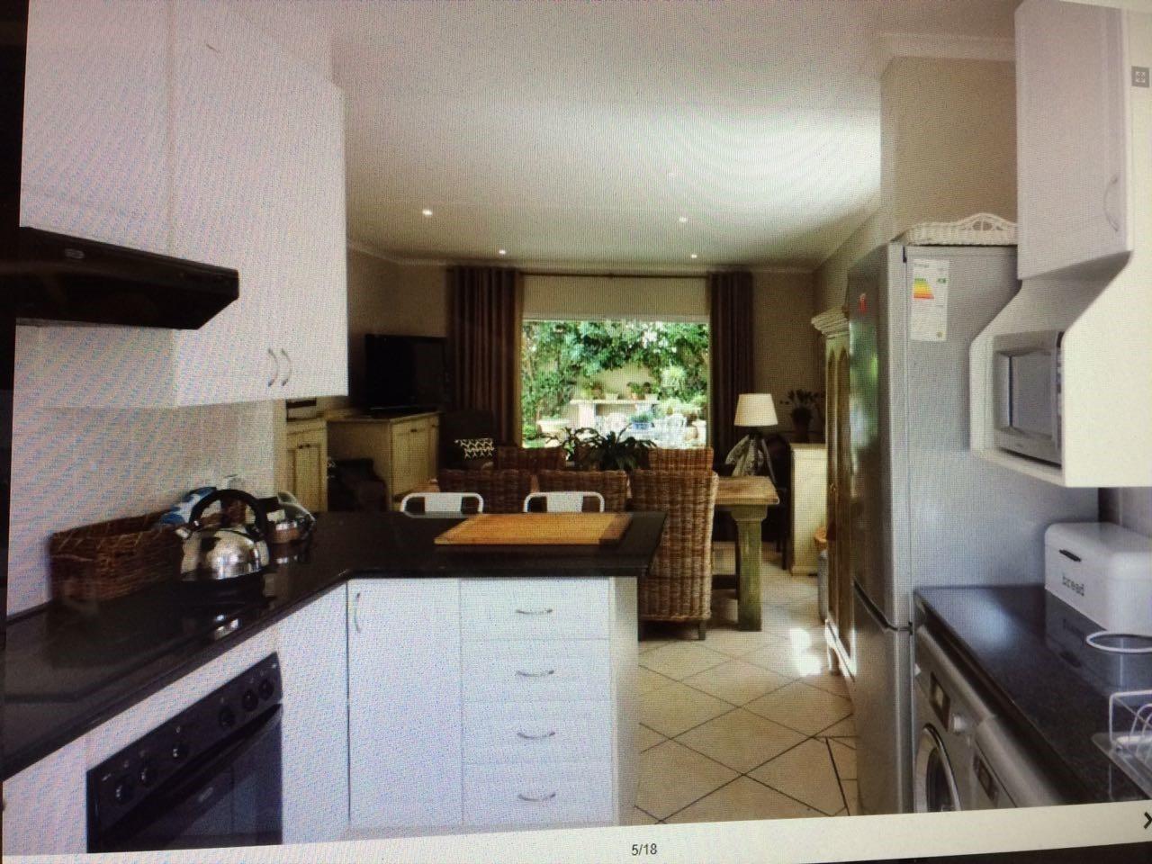 Bryanston property for sale. Ref No: 13551237. Picture no 12