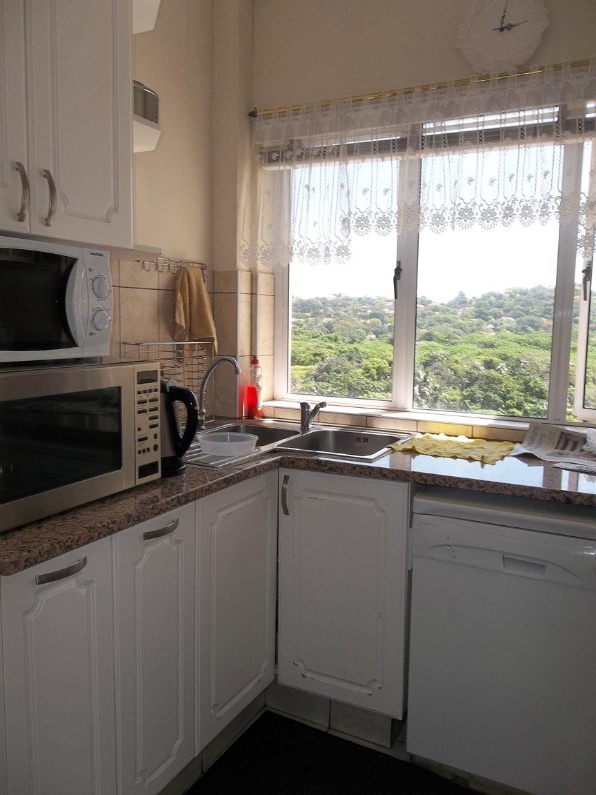 Amanzimtoti property for sale. Ref No: 13400263. Picture no 27