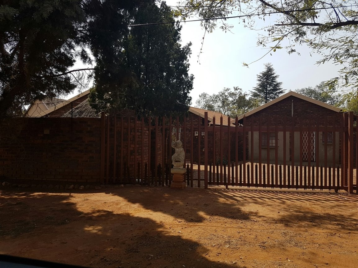 Kookrus property for sale. Ref No: 12772290. Picture no 5