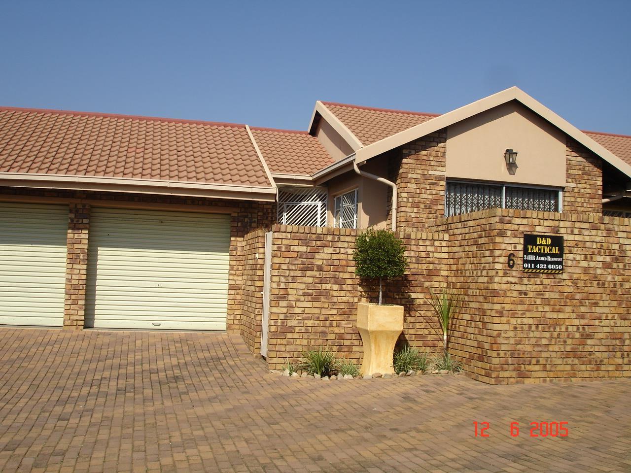 Glenvista property for sale. Ref No: 13525347. Picture no 3