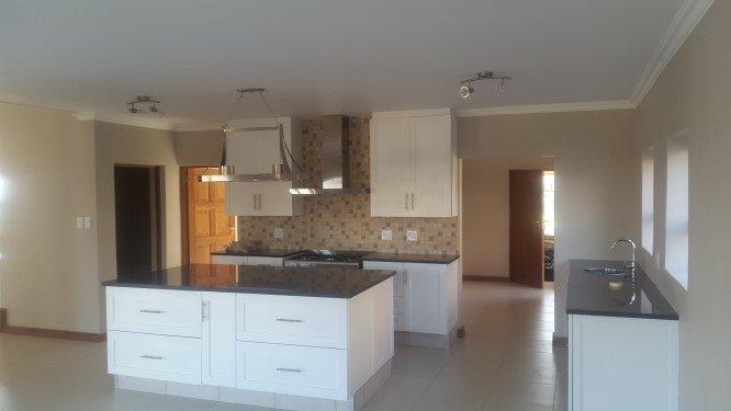 Copperleaf Estate property for sale. Ref No: 13327944. Picture no 6