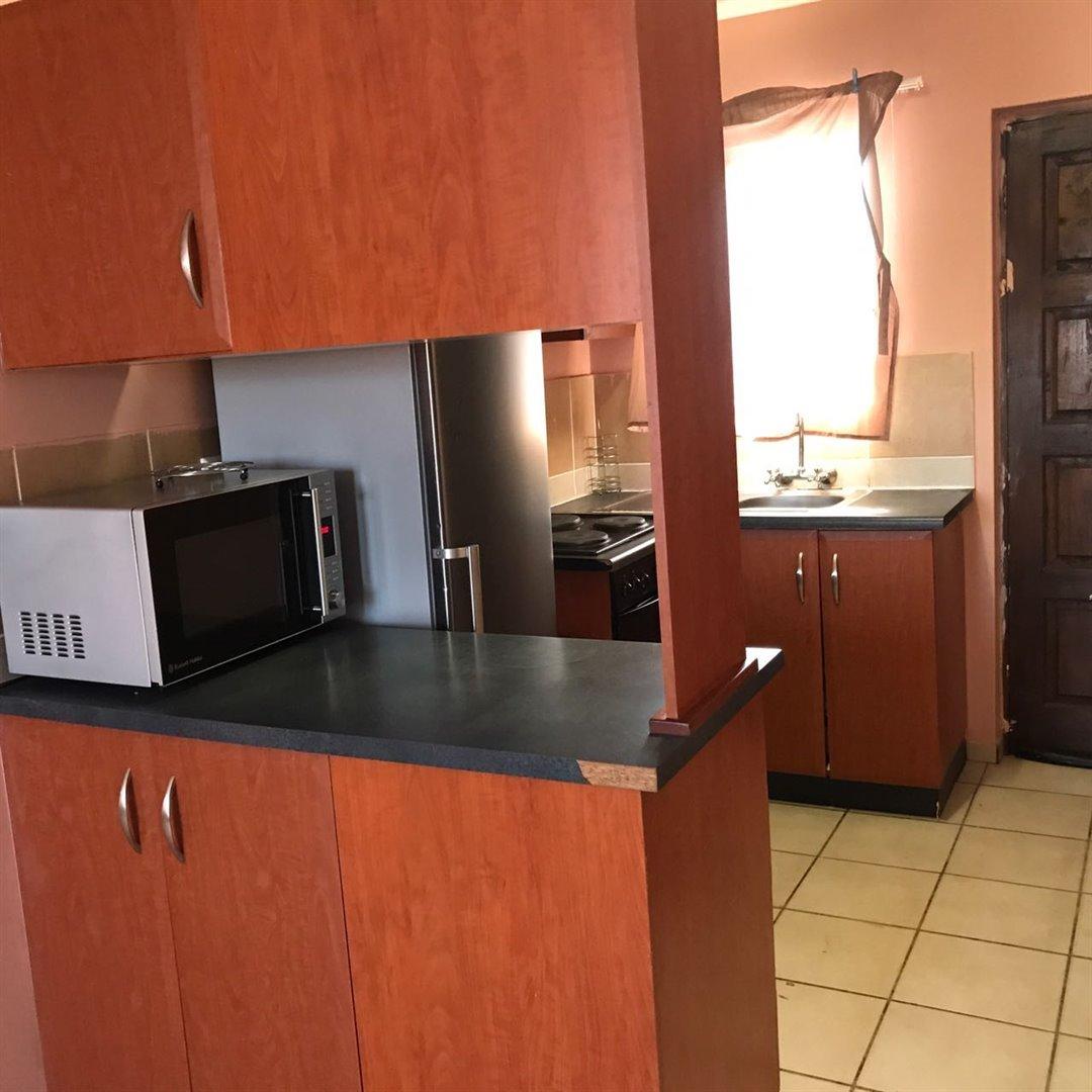 Brackenham property for sale. Ref No: 13481259. Picture no 2