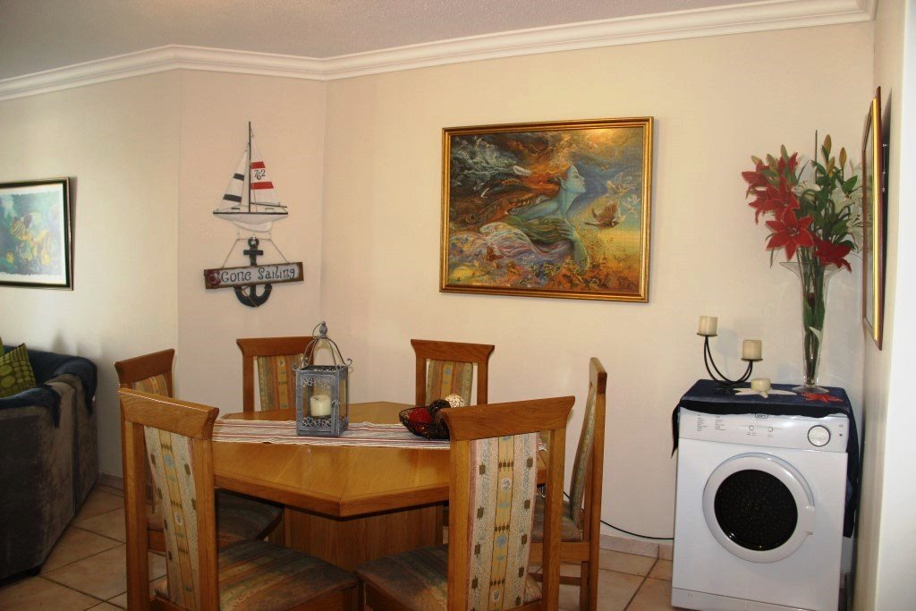 Margate property for sale. Ref No: 13472864. Picture no 20