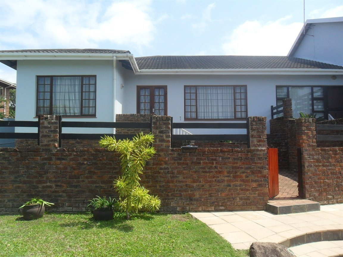 Property and Houses to rent in Scottburgh Central, Townhouse, 3 Bedrooms - ZAR ,  6,00*,M