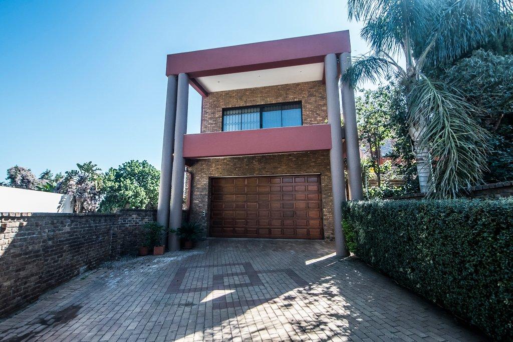 Glenvista property for sale. Ref No: 13500218. Picture no 17