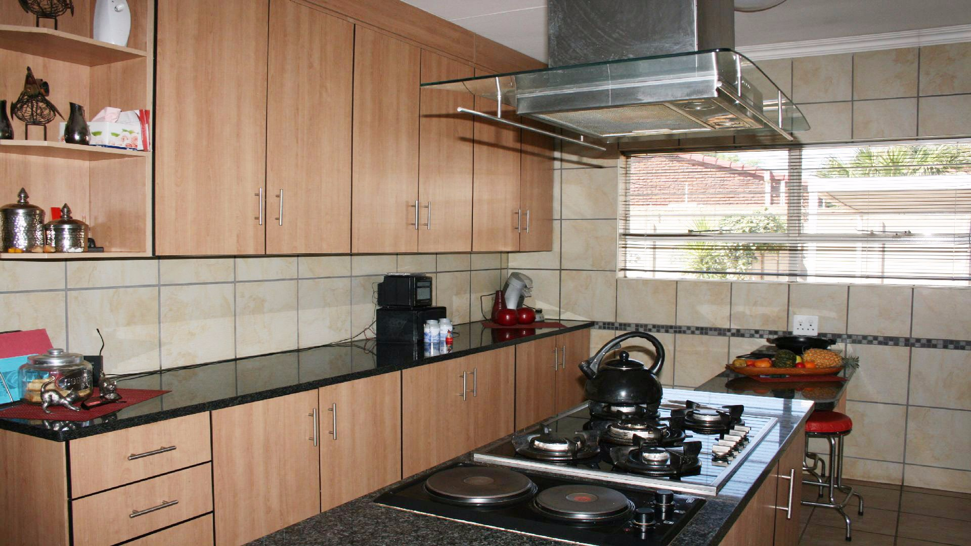 Helikonpark property for sale. Ref No: 13537831. Picture no 12