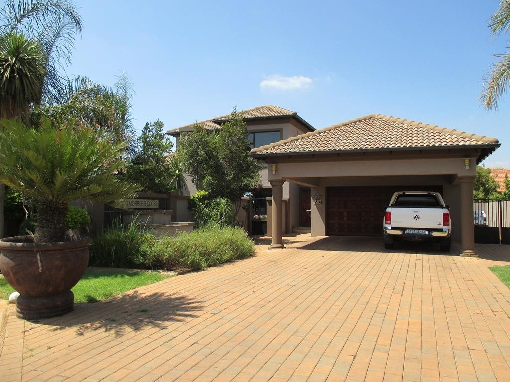 Centurion, Midfield Estate Property  | Houses For Sale Midfield Estate, Midfield Estate, House 3 bedrooms property for sale Price:2,800,000