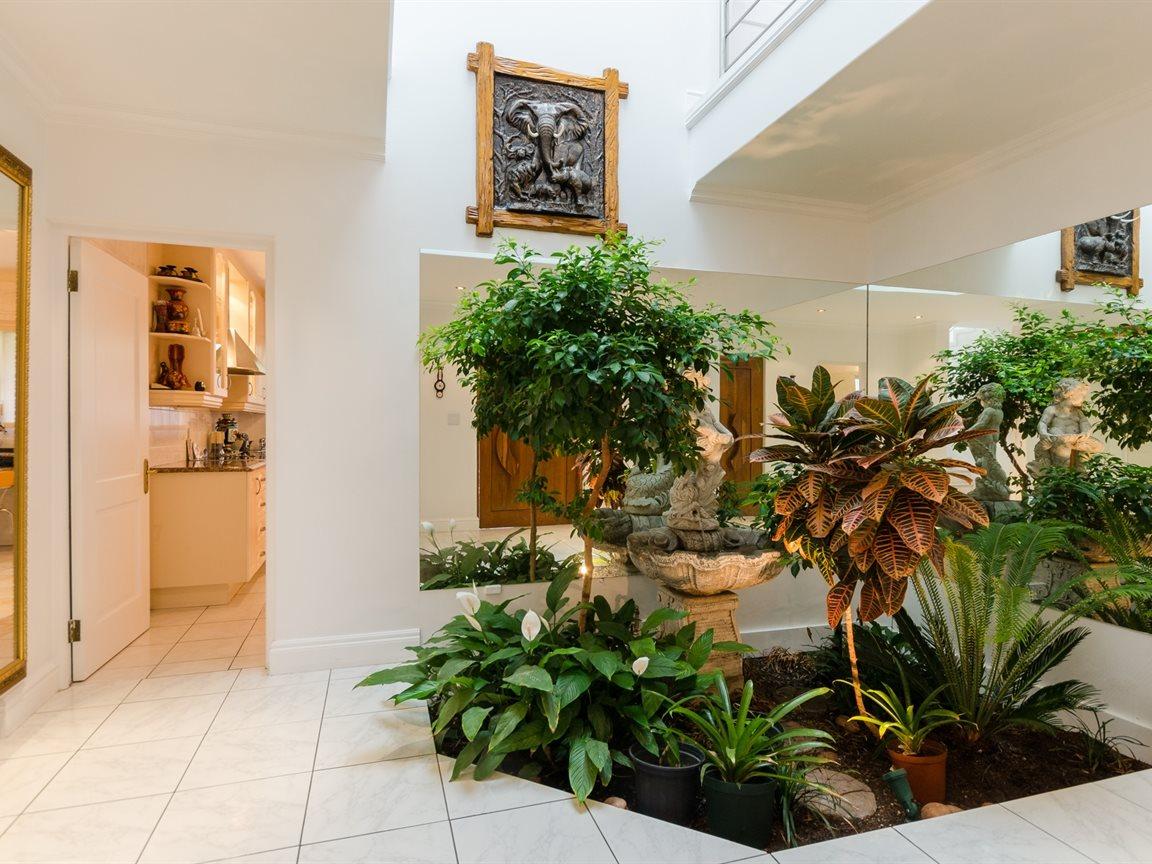 Bryanston property for sale. Ref No: 13418612. Picture no 7