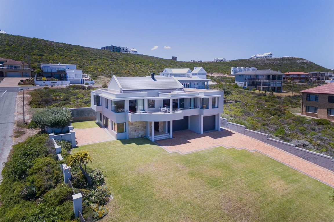 Yzerfontein property for sale. Ref No: 13373287. Picture no 7