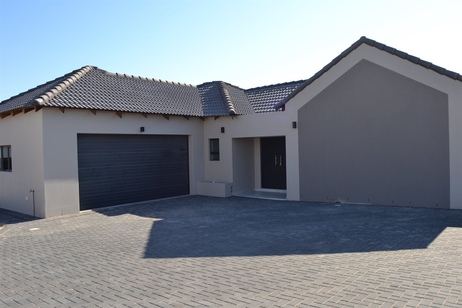 Property and Houses for sale in Country Club, House, 3 Bedrooms - ZAR 2,545,000