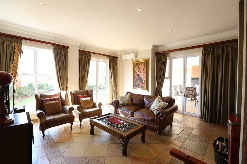 Midstream Estate property for sale. Ref No: 13254174. Picture no 4