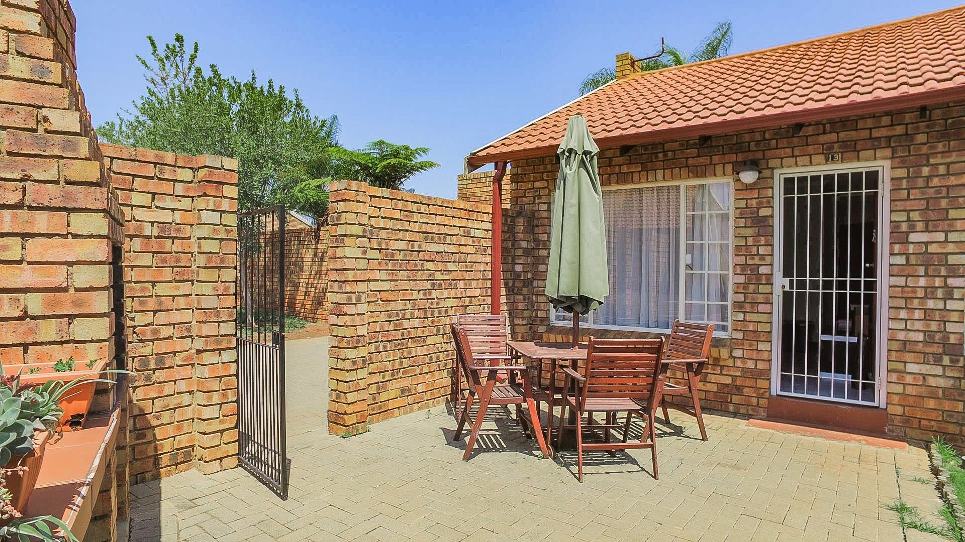 Highveld property for sale. Ref No: 13542050. Picture no 23